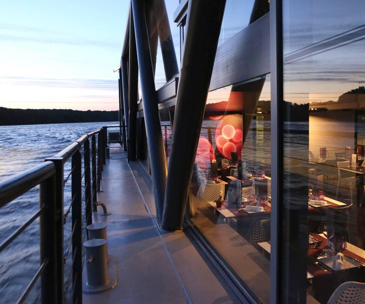 bateau restaurant à Nantes